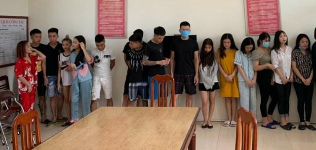 Ninh Bình: 18 đối tượng phê ma túy trong 'ổ bầy đàn' tại một nhà nghỉ