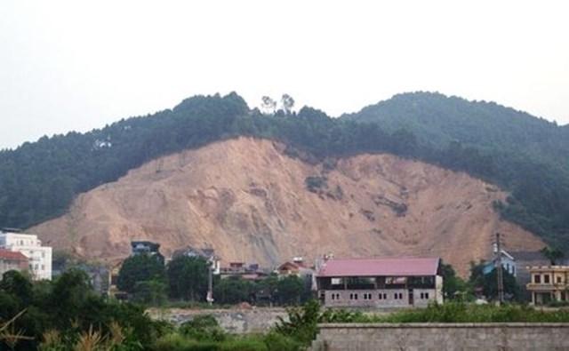 Khu đồi Rọ Phải, xã Mai Pha bị Công ty Hà Sơn khai thác trái phép nhiều năm nhưng không bị xử lý.