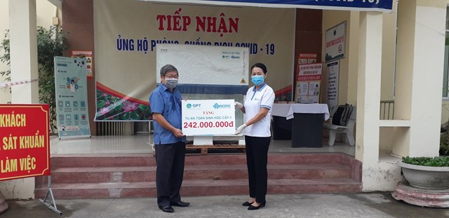 CDC Quảng Nam tiếp nhận Tủ an toàn sinh học cấp II.