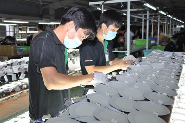 Doanh nghiệp mong muốn hạn chế số lần thay đổi quy định về dán nhãn hàng hóa nhằm tránh phiến hà, tốn kém không cần thiết.