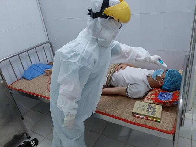 BN 419 đang điều trị tại Bệnh viện dã chiến của tỉnh Quảng Ngãi. (Ảnh CTV).