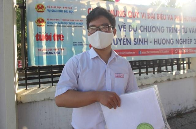 Em Trịnh Hữu Hiệp chia sẻ đề thi môn Toán đợt 2.