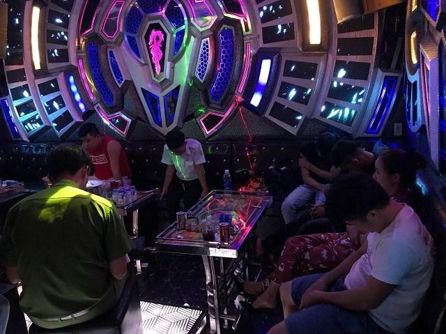 Quảng Ngãi cho phép hoạt động trở lại quán karaoke, massage. (Ảnh minh họa).