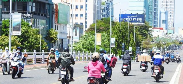 Đời sống xã hội của Đà Nẵng bước đầu trở lại bình thường. Ảnh: Thanh Tùng.