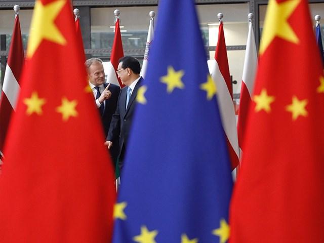 Lãnh đạo EU và Trung Quốc tham gia kỳ thượng đỉnh EU - Trung vào tháng 4/2019. Nguồn: AFP.