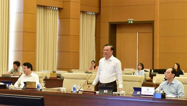 Bộ trưởng Bộ Tài chính Đinh Tiến Dũng phát biểu tại cuộc họp. Ảnh: Quang Khánh.