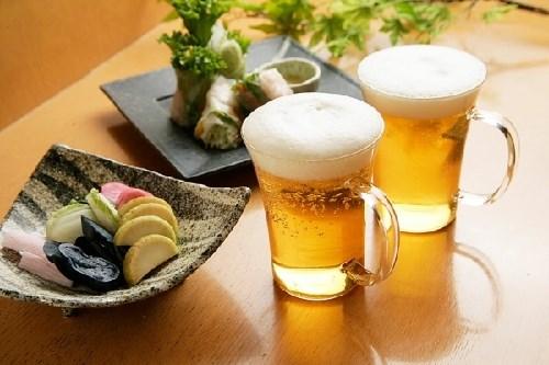 Uống bia điều độ có nhiều lợi ích - Ảnh 1