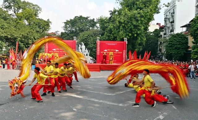Liên hoan nghệ thuật múa rồng Hà Nội - Ảnh 1