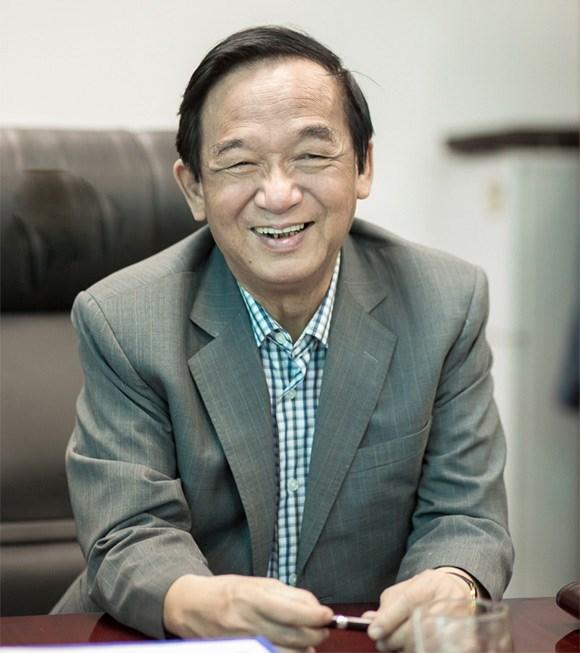 GS Nguyễn Lân Dũng.
