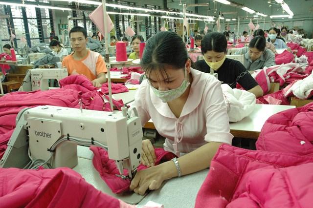 Doanh nghiệp dệt may hoạt động trong khó khăn.