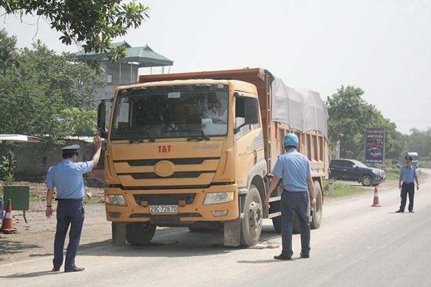 Lực lượng Thanh tra giao thông làm nhiệm vụ.