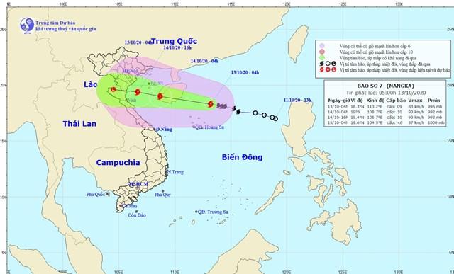 Vị trí và đường đi của tâm bão số 7.(Nguồn: nchmf.gov.vn).