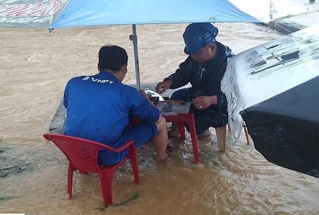 VNPT sẵn sàng ứng cứu dịch vụ kịp thời phục vụ liên lạc thông suốt tại vùng bão lũ.