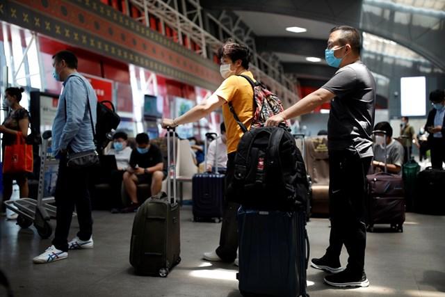 Hàng loạt chuyến bay đến và đi khỏi Bắc Kinh bị hủy trong hôm 17/6. (Nguồn: AP).