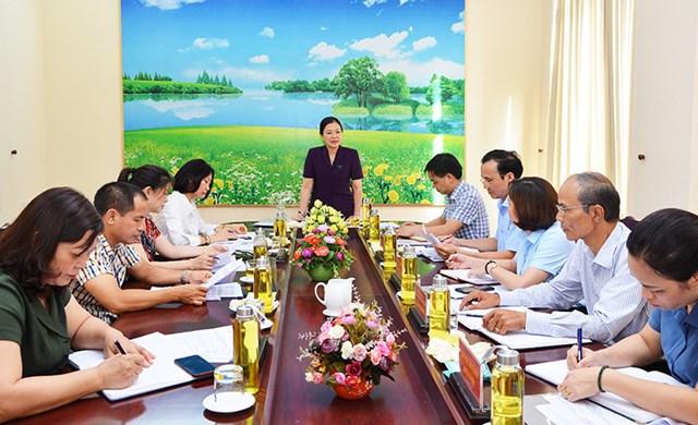 Phó Chủ tịch Trương Thị Ngọc Ánh phát biểu tại buổi làm việc với MTTQ tỉnh Tuyên Quang.