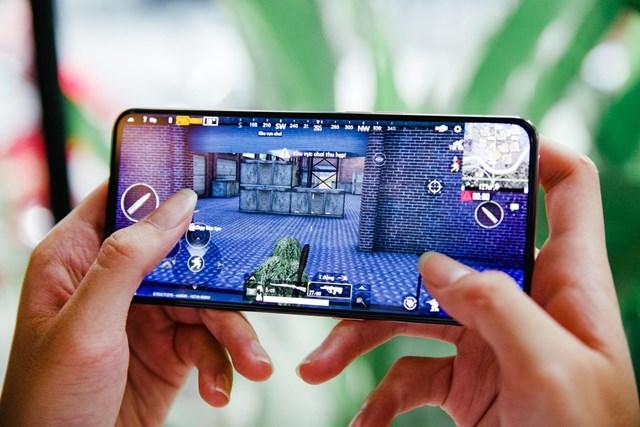 Nhiều loại game online hút người chơi.