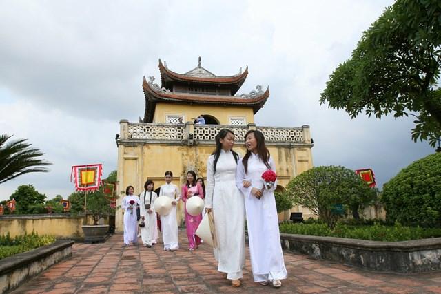 Du lịch gắn kết với văn hóa đang cần có những mối liên hệ chặt chẽ. Ảnh: Quang Vinh.