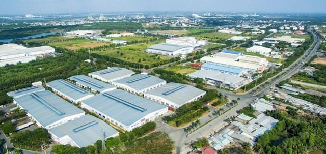 Lấp đầy các KCN, khu kinh tế là mơ ước của nhiều địa phương.