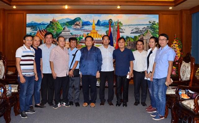 Ban Lãnh đạo Công ty Cao su Việt Lào và chính quyền tỉnh Champasak luôn có những hoạt động giao lưu, phối hợp nhằm tăng cường tình hữu nghị và hỗ trợ giữa hai bên.
