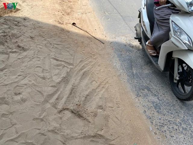 [ẢNH] Ùn tắc, ô nhiễm môi trường tại đường Vũ Trọng Phụng, Hà Nội - Ảnh 1