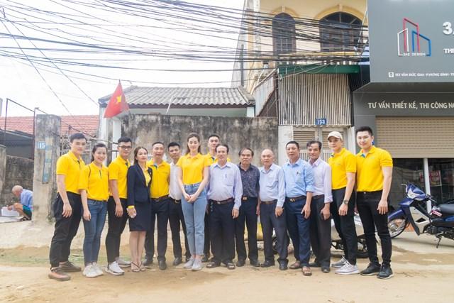 Hoa hậu Khánh Vân đến thăm gia đình nạn nhân chất độc da cam - Ảnh 3