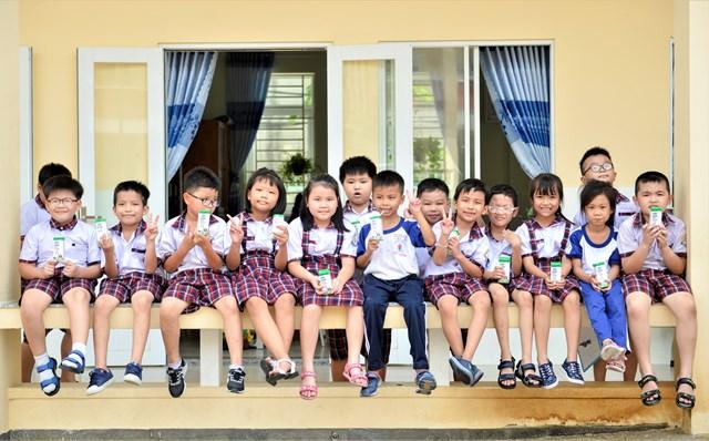 Niềm vui uống sữa học đường an toàn tại TP HCM - Ảnh 4