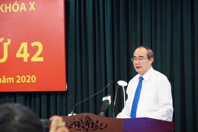 Ủy viên Bộ Chính trị, Bí thư Thành ủy TP HCM Nguyễn Thiện Nhân phát biểu khai mạc Hội nghị. (Ảnh: Hồng Phúc).