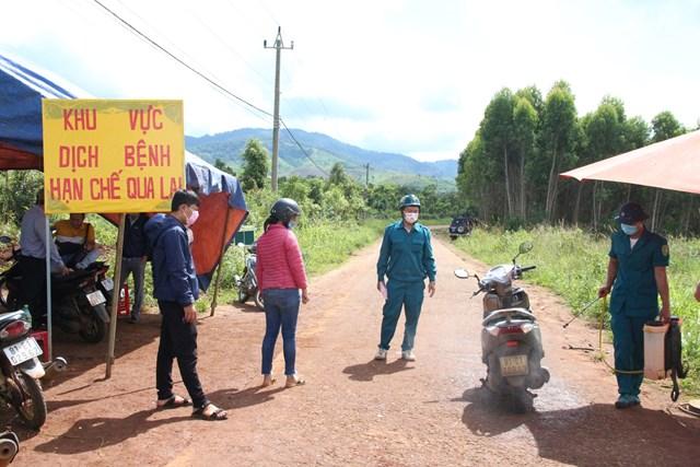 Các chốt chặn tại ổ dịch bạch hầu ở xã Hải Yang (huyện Đắk Đoa, tỉnh Gia Lai).