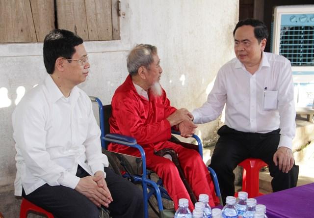 """3.""""Phải chăm lo cho gia đình chính sách bằng những hành động thiết thực nhất"""", Chủ tịch Trần Thanh Mẫn yêu cầu các cấp ngành của tỉnh Nghệ An khi thực hiện công tác chính sách người có công trên địa bàn."""