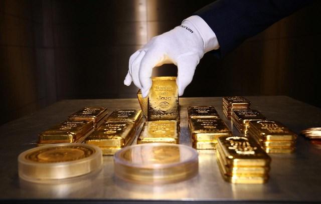 """Cần cảnh giác với sự """"nhảy múa"""" của giá vàng."""