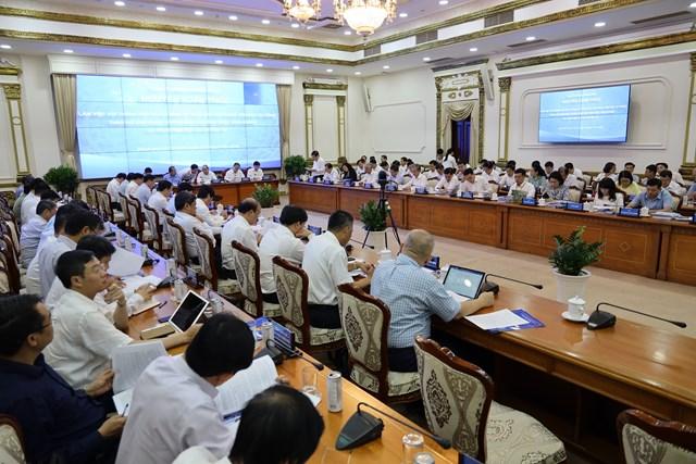 Quang cảnh buổi làm việc của Thủ tướng Chính phủ với lãnh đạo TP HCM chiều 20/7.