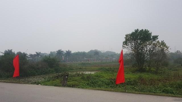 Khu Trung tâm lễ hội thuộc Khu di tích lịch sử-văn hóa thời Trần đang trong tình trạng xây dựng dang dở.
