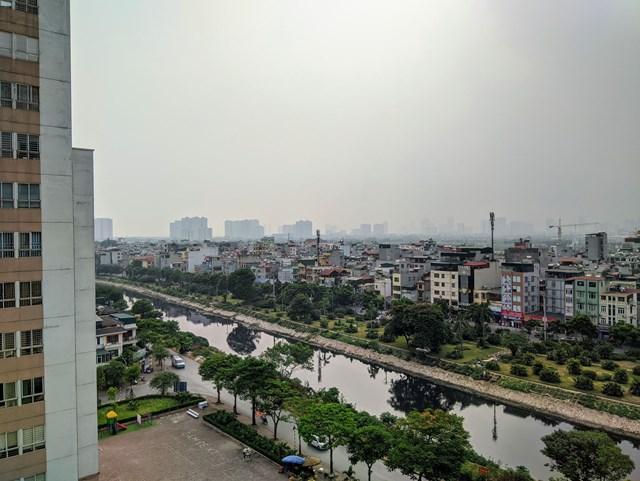 Chất lượng không khí Hà Nội ngày 28/7 ô nhiễm khiến trời mù, giảm tầm nhìn.