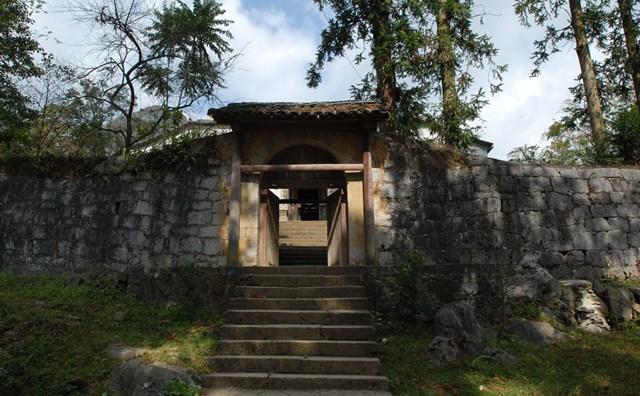 Một góc kiến trúc nhà Vương.