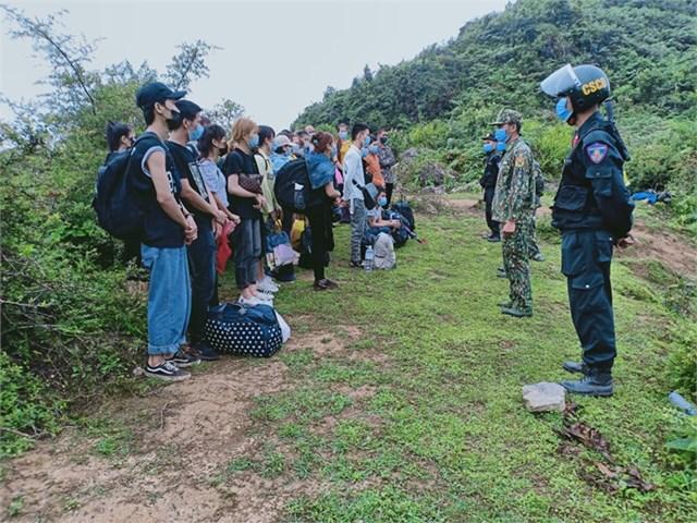 Lực lượng Biên phòng Hà Giang liên tục phát hiện và xử lý nhiều vụ xuất, nhập cảnh trái phép, trong đó chủ yếu diễn ra tại hai Mèo Vạc và Xín Mần