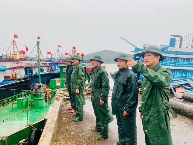 Cơ quan chức năng tỉnh Nghệ An kiểm tra công tác phòng chống bão số 2.