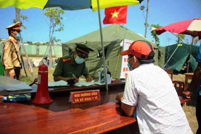Một điểm chốt chặn kiểm soát y tế ở vùng biên giới Quảng Nam.