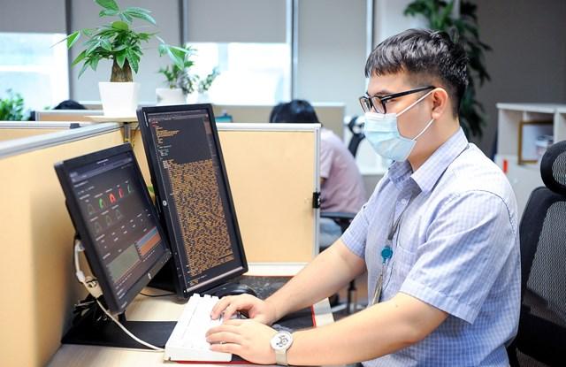 Các kỹ sư Viettel đã lên các phương án kỹ thuật đảm bảo dung lượng cho hệ thống kê khai y tế.