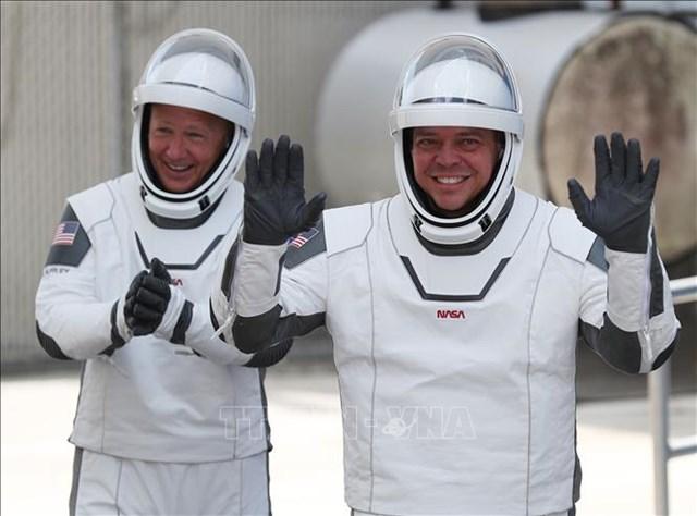Hai phi hành gia: Bob Behnken (phải) và Doug Hurley.Ảnh: AFP.