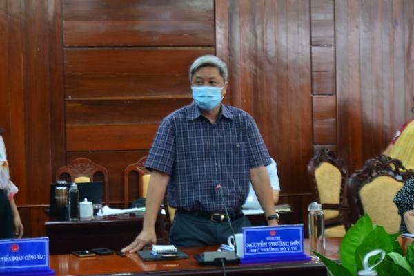 Thứ trưởng Bộ Y tế Nguyễn Trường Sơn phát biểu kết luận làm việc.