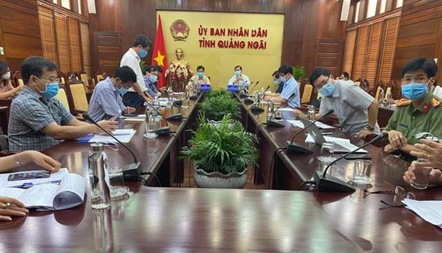 Quảng cảnh buổi họp về phòng, chống dịch Covid-19 ở Quảng Ngãi.