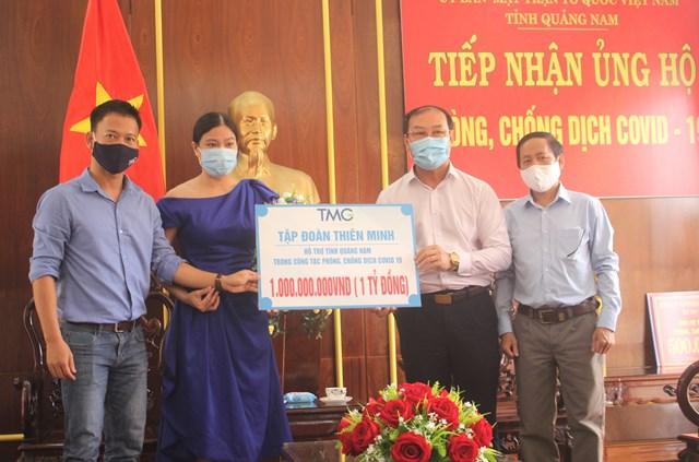 Tập đoàn Thiên Minh ủng hộ 1 tỷ đồng cho phòng, chống dịch Covid-19 ở Quảng Nam.