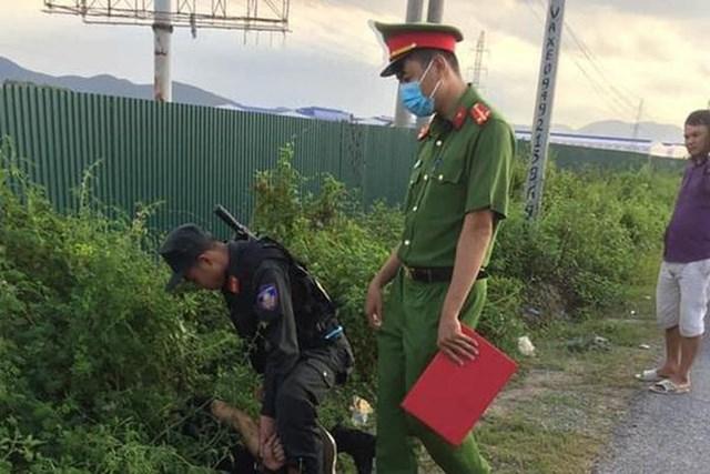 Một trong các đối tượng bị lực lượng Công an bắt giữ.