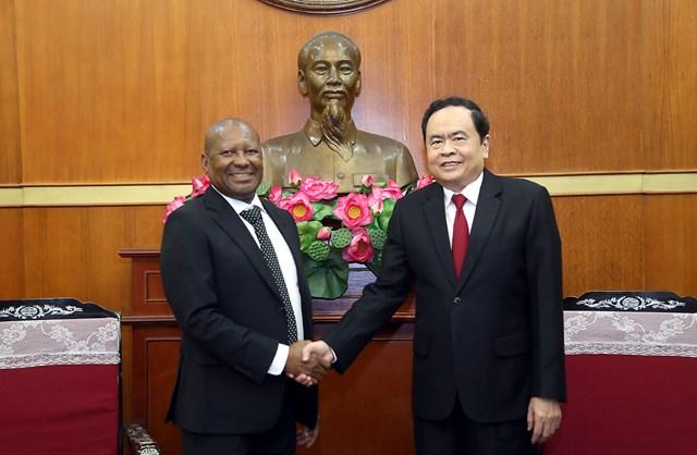 Chủ tịch Trần Thanh Mẫn tiếp Đại sứ Nam Phi tại Việt Nam.