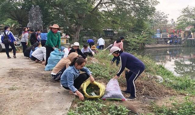 Hưởng ứng ngày chủ nhật xanh của bà con nhân tỉnh Thừa Thiên Huế