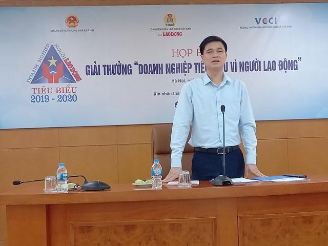 Ông Ngọ Duy Hiểu, Phó Chủ tịch Tổng LĐLĐ Việt Nam phát biểu tại cuôc họp báo.