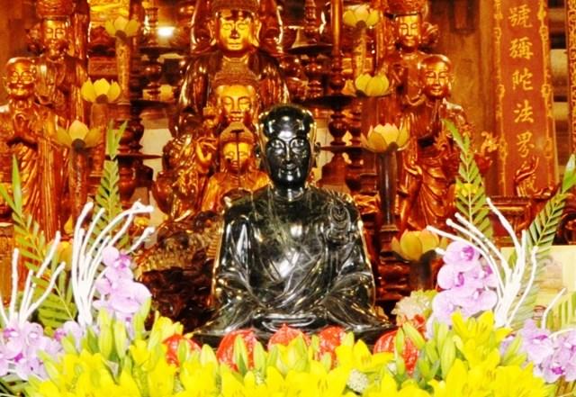 Thiền sư Pháp Loa, Tổ thứ hai Thiền phái Trúc Lâm Việt Nam.