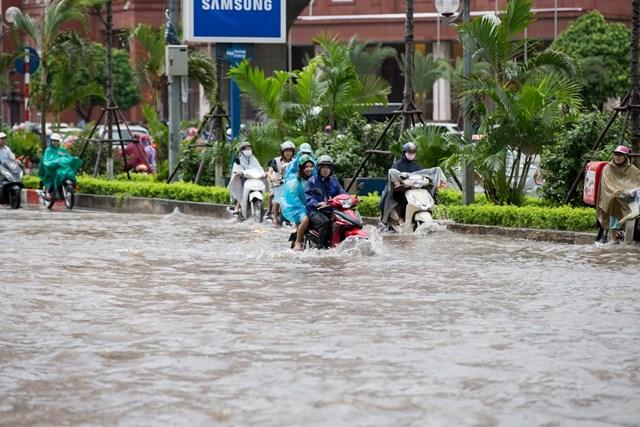 Mưa lớn nhiều ngày dễ gây ra ngập lụt. Ảnh: Phạm Quang Vinh