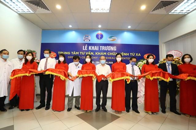 Bệnh viện Trung ương Huế chính thức đưa vào hoạt động Trung tâm tư vấn, khám chữa bệnh từ xa.