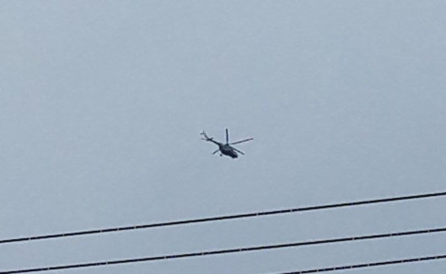 Trực thăng di chuyển đến khu vực Thủy điện Rào Trăng 3 để thực hiện công tác cứu hộ cứu nạn.